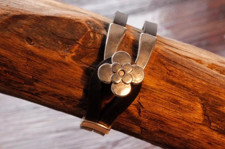 Bracelet en cuir de zébu - Atelier IZAHO - Madagascar 11