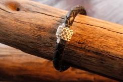 Bracelet en cuir de zébu - Atelier IZAHO - Madagascar 12