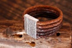 Bracelet en cuir de zébu - Atelier IZAHO - Madagascar 27