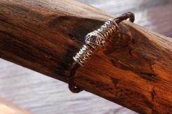Bracelet en cuir de zébu - Atelier IZAHO - Madagascar 7