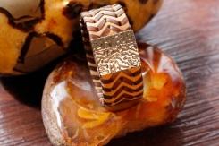 Bracelet IZAHO en cuir de Zébu - Madagascar - artisanat de Madagascar 4