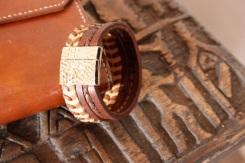 Bracelet IZAHO en cuir de Zébu - Madagascar - artisanat de Madagascar 6