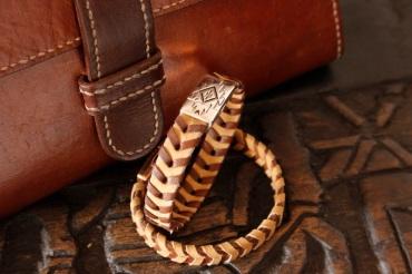 Bracelet IZAHO en cuir de Zébu - Madagascar - artisanat de Madagascar 8
