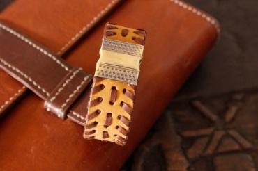Bracelet IZAHO en cuir de Zébu - Madagascar - artisanat de Madagascar