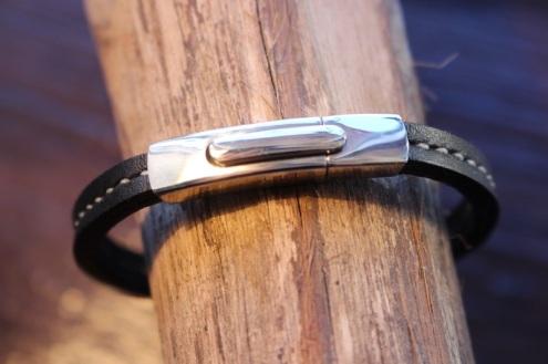Bracelets All Road - Izaho - bracelet en cuir de Madagascar