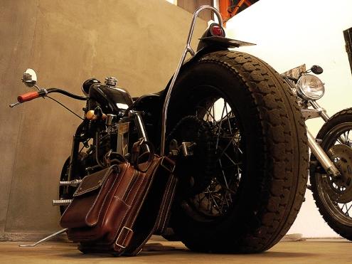 Sac à dos en cuir motard Madagascar IZAHO 11