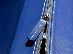 sac-sur-mesure-en-cuir-bleu-de-mme-barreau-izaho-maroquinerie-madagascar-11