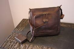 Sac en cuir de Youtta, cuir de zébu - maroquinerie Madagascar 5