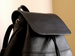 Le p'tit sac à dos en cuir de Vanessa - Izaho Madagasca 6