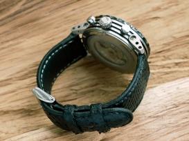 Bracelet en cuir sur mesure, maroquinerie Izaho Madagascar 5