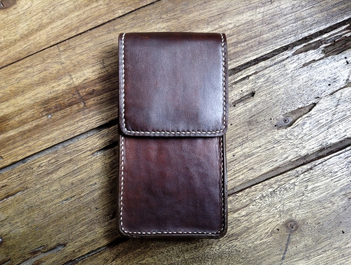 Petite sacoche de ceinture en cuir - Maroquinerie Izaho - Madagascar 2
