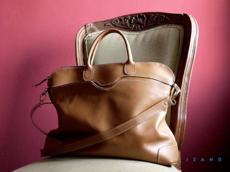 Sac de Mme Vounih, sac ou cabas en cuir, Maroquinerie Izaho Madagascar 13