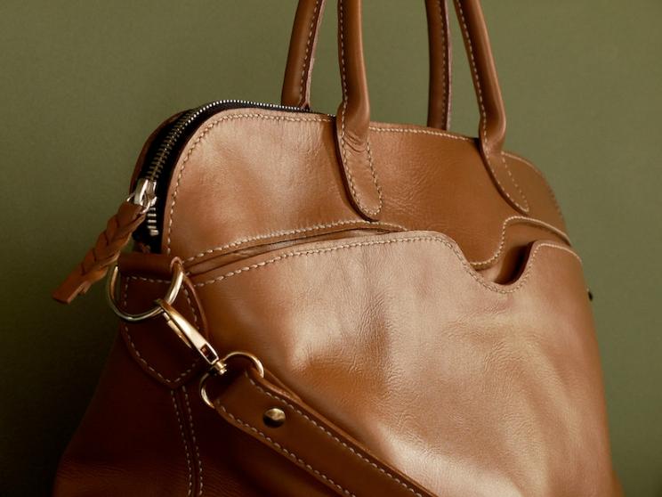 Sac de Mme Vounih, sac ou cabas en cuir, Maroquinerie Izaho Madagascar 2