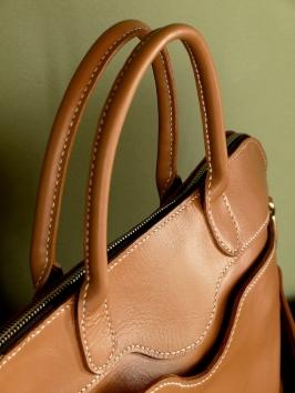 Sac de Mme Vounih, sac ou cabas en cuir, Maroquinerie Izaho Madagascar 5