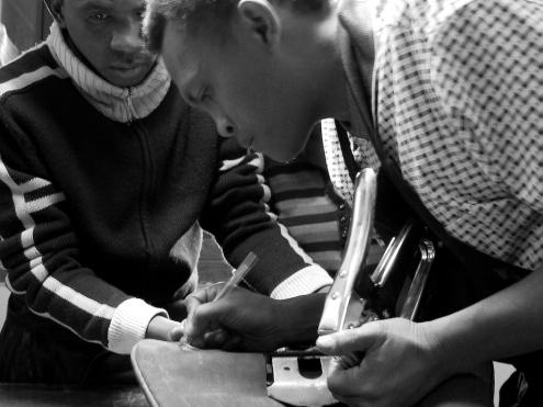 Atelier de maroquinerie Izaho à Antananarivo, madagascar 13