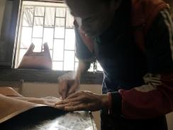 Atelier de maroquinerie Izaho à Antananarivo, madagascar 8